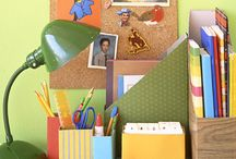 Organize with Recyclables / Learn how to organize your home with items salvaged from your blue box.