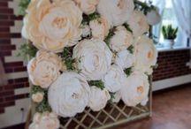 Свадьба с гигантскими цветами