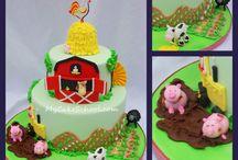 Cake/Cupcake Decorating / by Julie Kreager