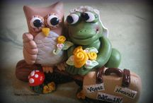 Frog loves owl cake