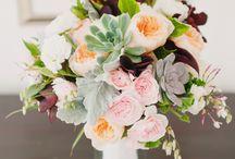 Wedding Flowers / by Arianna Verbiscar-Brown
