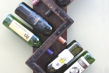 Gifts for Wine Lovers / Great gifts for the wine lovers on your shopping list.