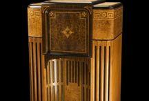 Vintage radios, tvs & jukeboxes