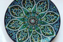 Mandala plates and stones