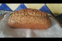 Pane con mandorle / Bread with almonds