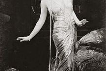 Showgirls / Burlesque, dancers, showgirls, all-around glamouramas and vintage divas
