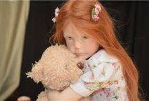 Laura Scattolini - dromerig meisje met lang rood haar