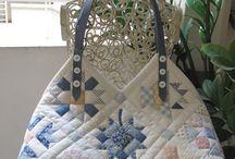 taška bílo modrá