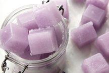 Mekt and pour sugar scrub