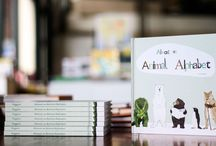 Almost an Animal Alphabet / Almost an Animal Alphabet is a quirky combination of alphabet and (almost) animal book, introducing young children to the letters of the alphabet via a collection of appealingly drawn critters.