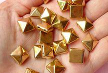 Korálky - Pyramid 10 mm