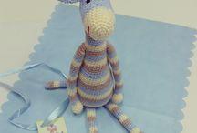 Girafinha amiguinha / Lindos amigurumis para seu bebê! http://www.elo7.com.br/cidaartecroche