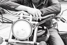 Bikers / Un petit tour en moto