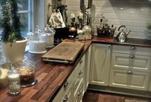 WOODEN KITCHEN COUNTER TOPS