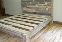 pallet bed in natural color