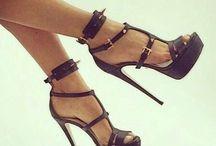 High Heels / Stiletto Sandals Black / www.laurenz-art.com #highheels #shoes #laurenzart #female #fashion #shoes #living #love #happy #shoelove #design #designers #brand #lifestyle #luxury #black #sandals #prints #blue #stilettoheels