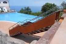 Escalera para el Camping de Deba (Gipuzkoa) / Diseño, fabricación y montaje de escalera en el Camping Itxaspe de Deba, con magníficas vistas al mar Cantábrico.