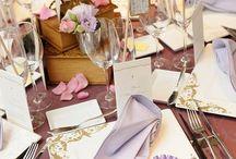 テーブルコーディネートのアイデア / 披露宴のゲストテーブルコーディネートについて、先輩花嫁さんの画像を集めました。テーマを決めてデコレーションすれば、とっても素敵!お花だけに頼らずに、アイテムで盛り上げましょう!ゲストテーブルを演出するアイテムについても、シェリーマリエではもっと商品を発売していく予定ですのでお楽しみに!