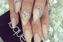 crystals paznokcie