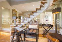 Estilo clásico renovado / Mezcla el mobiliario clásico con algunas piezas más modernas, ya sea por su diseño o por su material de acabado.