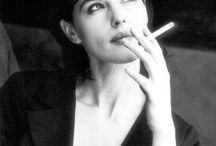 Monica Bellucci Smoking