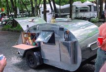 Campers + Trailers / by Jacques Dupont