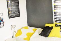 Pihla / Taulussa on tytön huoneen kuvia