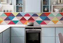 Renovando a cozinha. / adesivos de azulejo, ímãs de geladeira, decor e organizadores incríveis para uma cozinha novinha em folha!