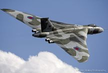 Vulcan XH558 & friends... / Vulcan XH558, Friends, amazing photos & back home to Finningley