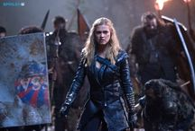 The 100 / I don't ship bellarke , I think Clarke and Bellamy have a brother and sister leadership relationship