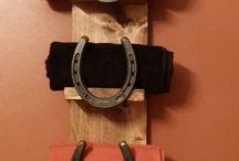 horse shoe shelf