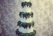 Botanical wedding cakes