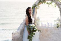 Santorini Weddings / Amazing photos from destination weddings in Santorini!