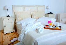 Spa suite Imerovigli with outdoor jacuzzi in veranda / Honeymoon suite