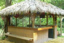 Hot tub & bar room / Hot tub & bar room