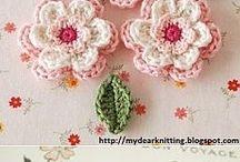 цветочки, салфеточки, броши крючком