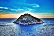 Italian Riviera / mountains, turquoise sea, delicious food, ancient architecture