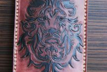 Lion I pHone cover, veg tan lether , handcared & painted, custom