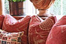 Inspirerande interiörer / Ett hus kan innehålla en massa prylar, i ett hem ställs prylarna samman och bildar en harmoni.