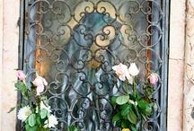 Doors, Windows, Entryways / by Laura Houck Enkowitz
