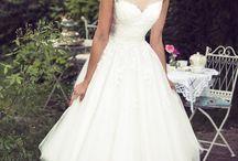 Wedding dress 50s style