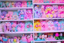 Noen pastel toys