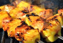 Kabobs on the grill / Chicken and pineapple