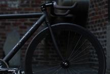 Vélociraptors / Bikes. Cycle. Vélo. Ride.