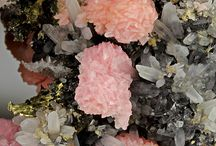 Minerals - Ορυκτά / I adore this beauty...but I allways asking my self of the conditions and the art of mining.