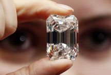 Gems / Includes matrix, rough, and set gems, and other natural things used in jewellery.