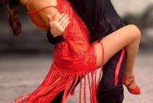 Tango w czerwieni / Argentinio