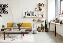 SALON - LIVING ROOM / Trouvez l'inspiration pour vous créer un salon qui vous ressemble vraiment, industriel et chaleureux. Retrouvez la table basse et le bureau créés avec les pieds de table modulables TIPTOE. Découvrez également les étagères murales créées avec l'accroche murale BRACKET