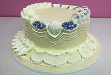Glazúrozott tortadíszítés