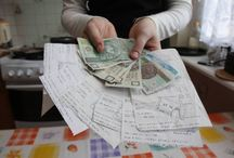 Finanse i jeszcze raz finanse  / Nie da się nie zauważyć, że pieniądz rządzi światem.